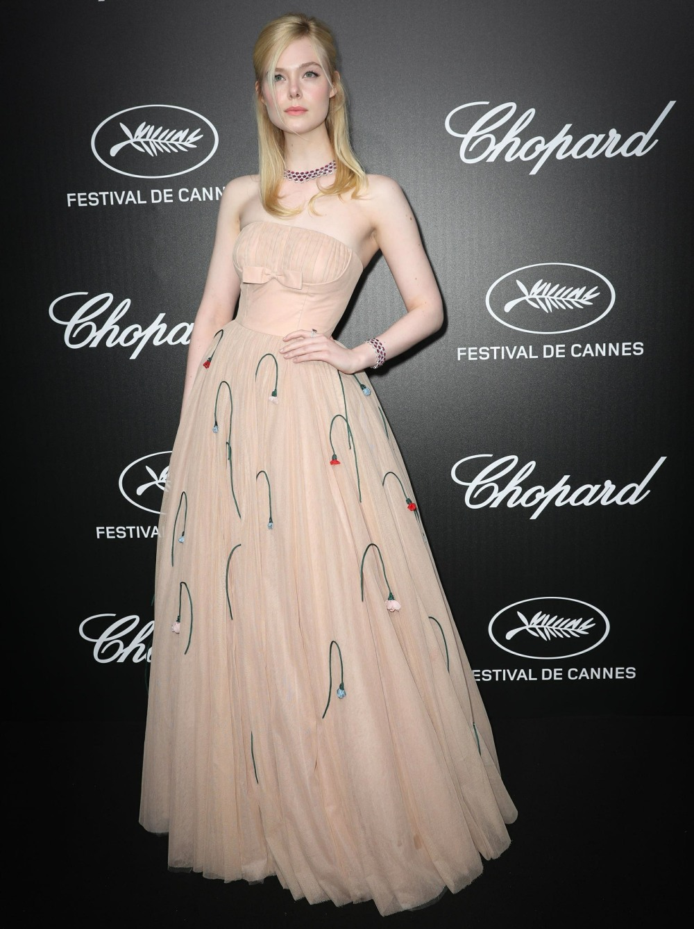 bitchy-Elle-Fanning-fainted-in-Cannes-because-of-her-Prada-gown-her-period.jpg